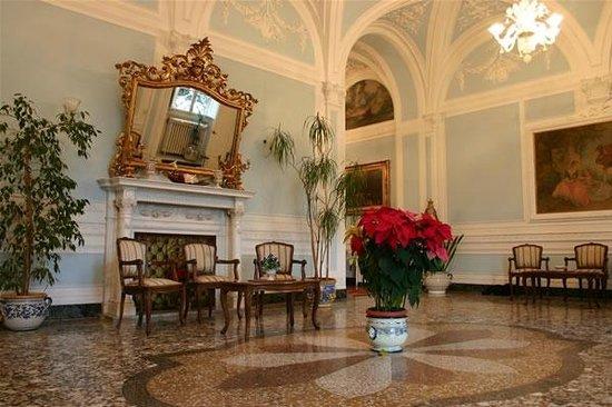 Istituto Suore S. Giovanni Battista - Villa Merlo Bianco : Salone