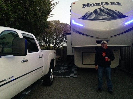 Marina Dunes RV Park : The pad fit our 37' fifth wheel