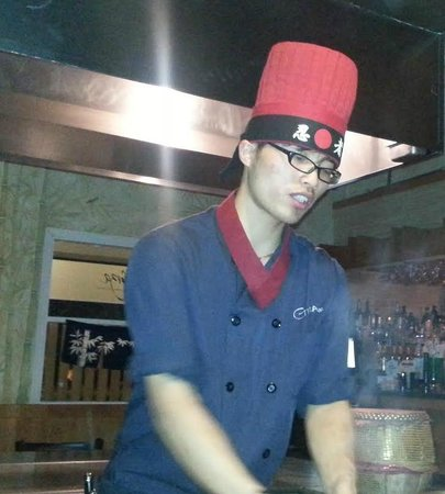 Ginza Japanese Restaurant: Hibachi guy