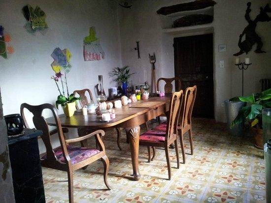 La Vieille Maison: La salle à manger