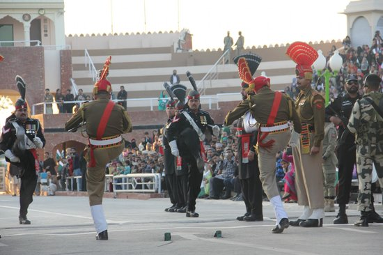 Wagah Border : marching...