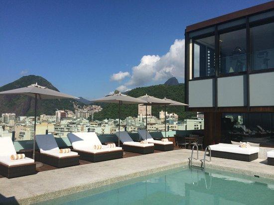 Porto Bay Rio Internacional Hotel : 屋上からコルコバードの丘を見る