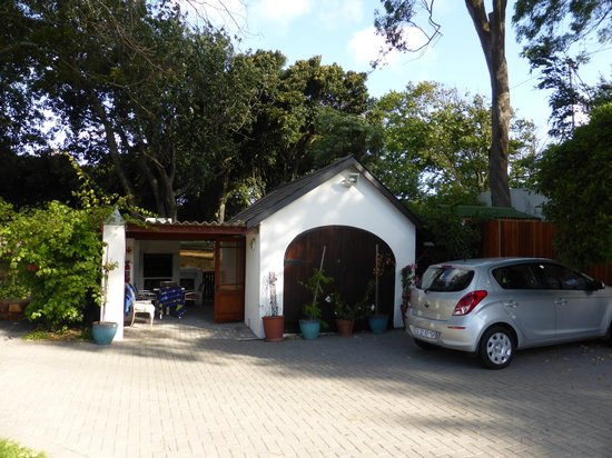 The Oak and Vine Guest House: Our