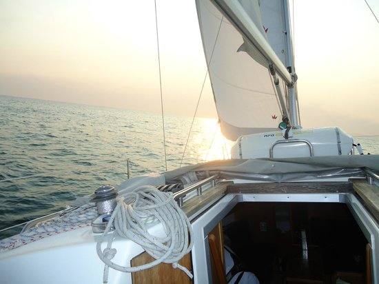 West Coast Sailing Centre - Day Cruises: Perfect cruisin