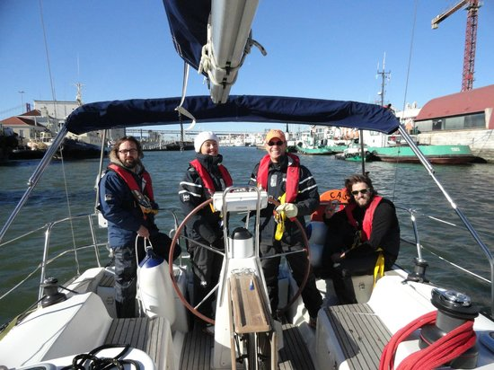 West Coast Sailing Centre - Day Cruises: RYA training course in Lisbon, Dez 2013