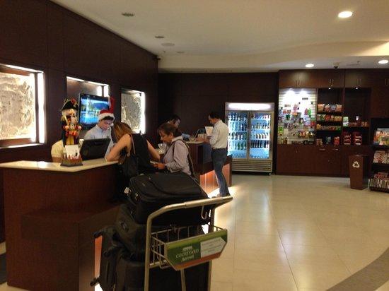 Courtyard San Jose Airport Alajuela: Lobby