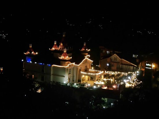 Kapil Hotel: Night view from window