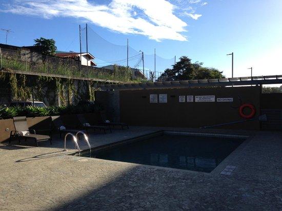 Courtyard San Jose Airport Alajuela: Piscina