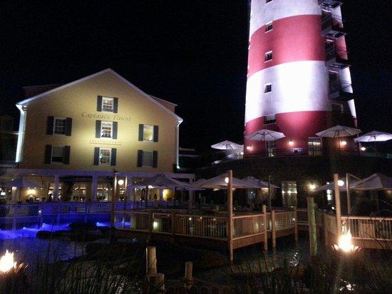 """Hotel """"Bell Rock"""" Europa-Park: Terrasse de nuit"""