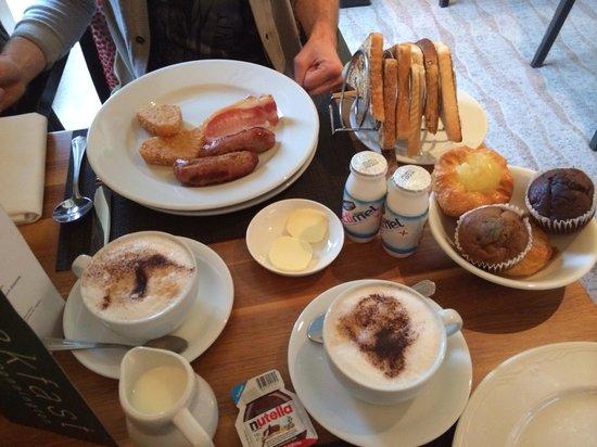 Donnington Valley Hotel, Golf & Spa: Colazione a buffet