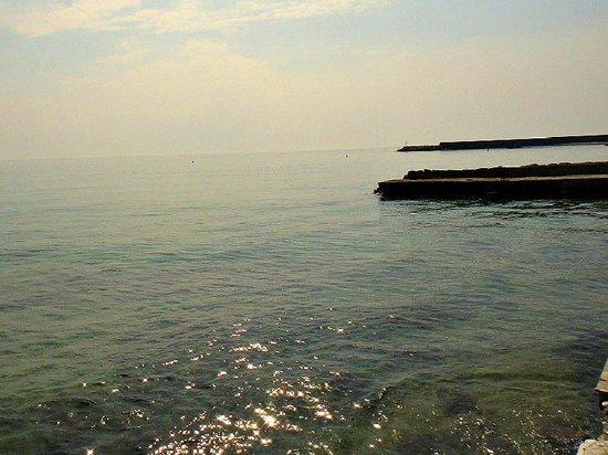 Hotel Maga Circe: il mare davanti all'hotel