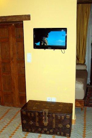 Ryad Salama Fes : Телевизор. Маловат, пожалуй.