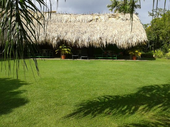 Kariwak Village Holistic Haven and Hotel: Holistic area and gardens