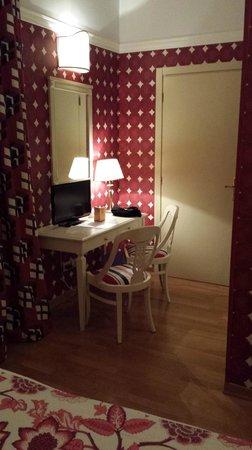 Room Mate Luca: Mesa escritorio