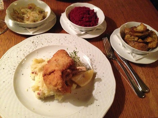 Polka Restauracja: Fried Chicken with potatos