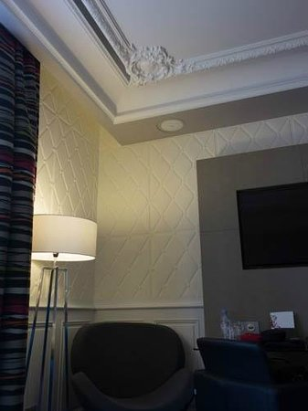 Grand Hotel La Cloche Dijon - MGallery Collection: inset lighting on ceiling, interesting texture