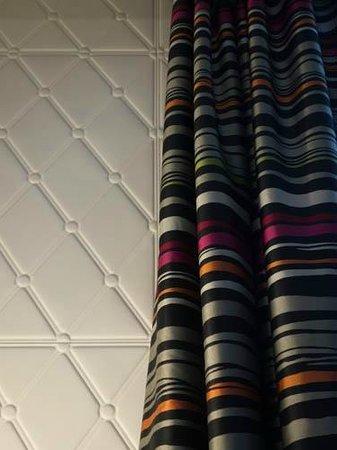 Grand Hôtel La Cloche Dijon - MGallery Collection: fun wall texture, great colors
