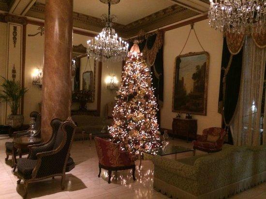 Le Pavillon Hotel: HOTEL MAIN FLOOR