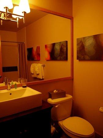 Les Suites de la Gare by Location ADP Tremblant: Salle de bain rdc