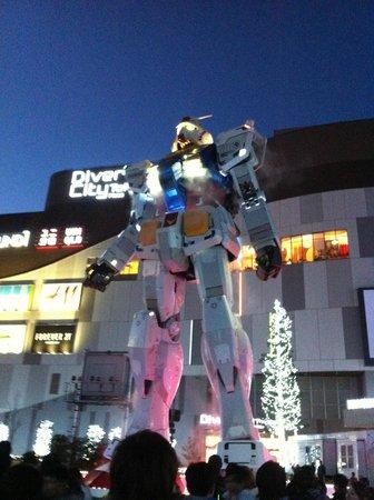 Diver City Tokyo Plaza: Gundam in dimensione reale presso il Diver City