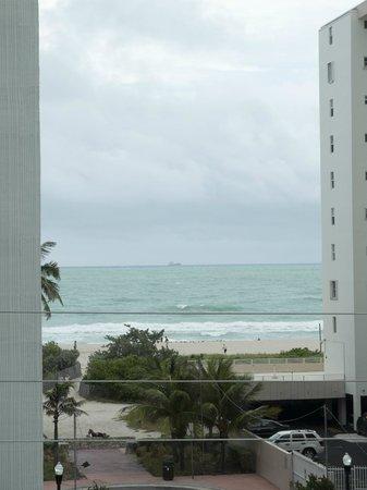Sense Beach House: Close up ocean view