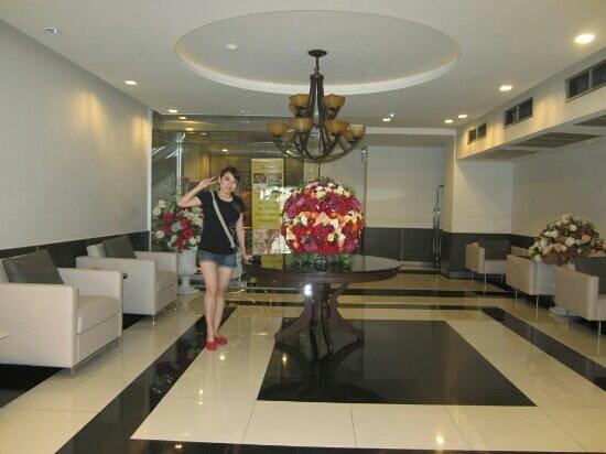 The 93 Hotel: hotel lobby