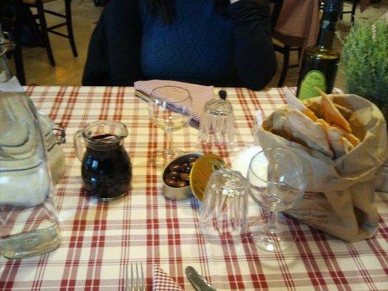 Tralalero : tavola