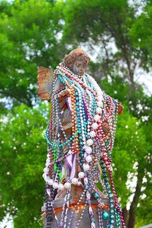 Key West Cemetery: Cherub for Captain Outrageous
