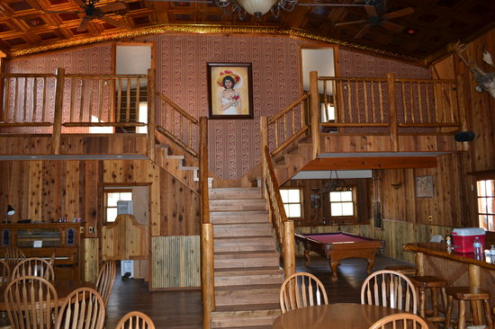 Old Cow Town: Saloon/Restaurant