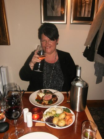 The Castle Inn: Cheers... a glass of red on the house!