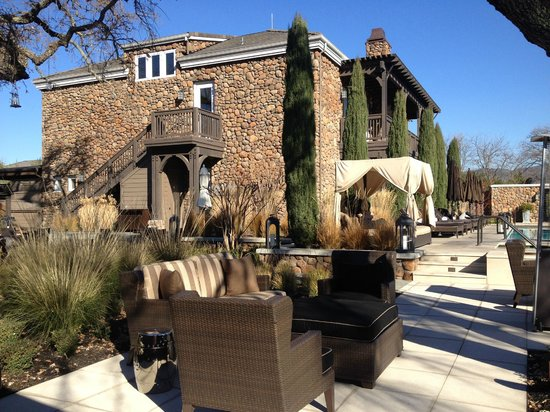 Hotel Yountville: Sitting Area by the pool
