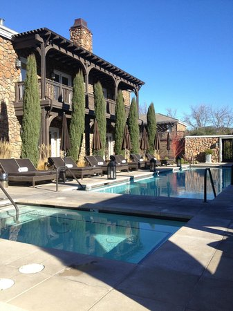 Hotel Yountville: Pool and hot tub area