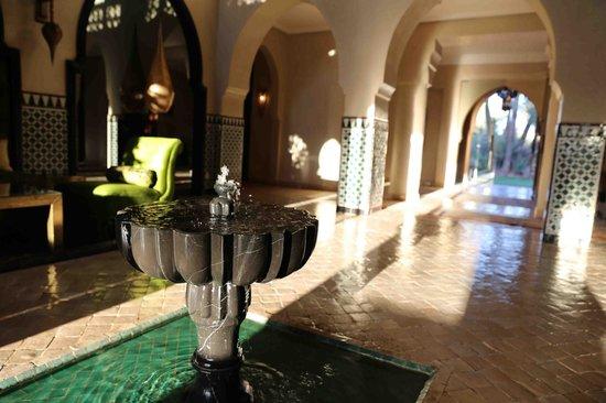Palais Aziza & Spa: Hall de l'hôtel