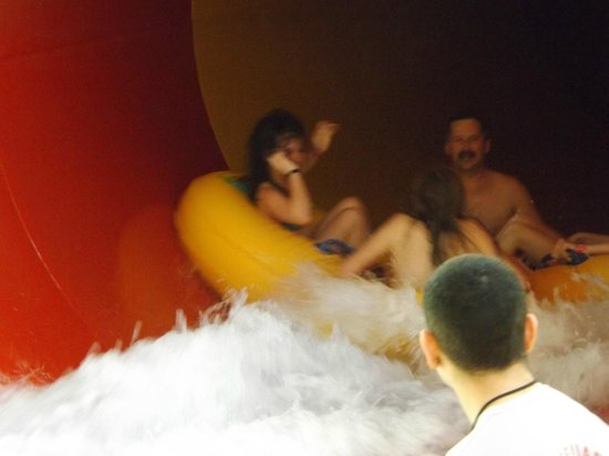 Great Wolf Lodge: The Tornado