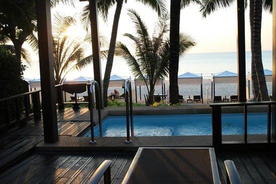 Andaman White Beach Resort : Beachfront Pollvilla
