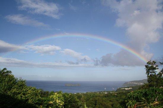 Gite Macanao: Vue d'un arc-en-ciel depuis la terrasse