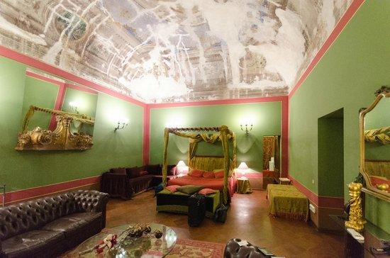 """Casa Masoli: The """"Palace Room"""""""