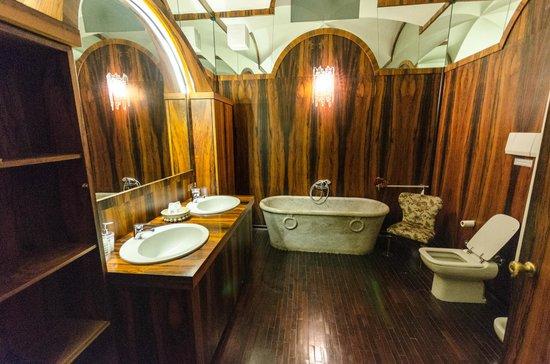 Casa Masoli: attached bathroom