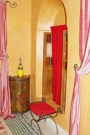 Riad Les Nuits de Marrakech : Комната