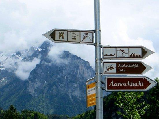 Reichenbach Falls : Signpost in Meiringen