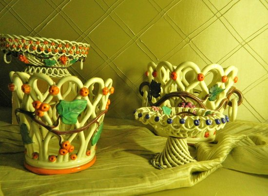 Chateau de Langeais: Cabinet de Faiences (Earthenware room)