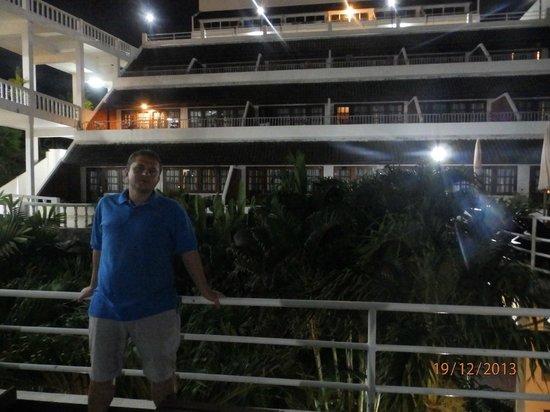 Best Western Phuket Ocean Resort: На 3-м уровне, позади номера с балкончиками