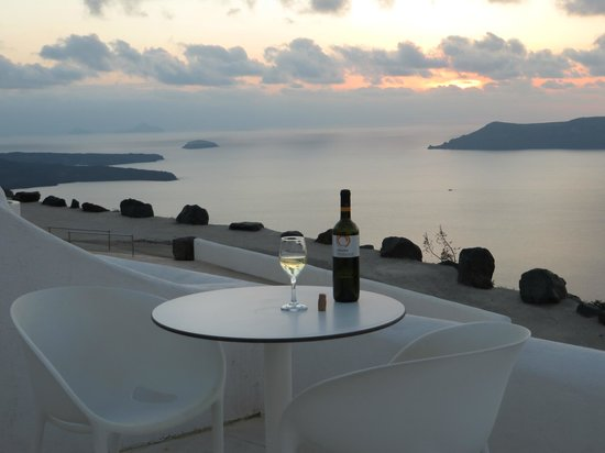 Rocabella Santorini Hotel: Great view.