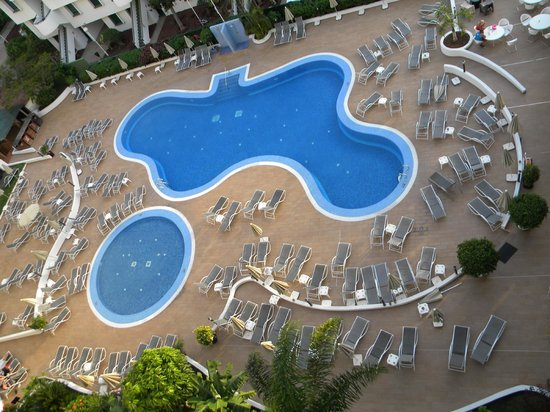 Sunprime Coral Suites And Spa: Pool area from pur balcony