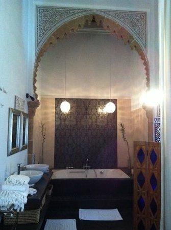 Riad Dar Mayssane : bagno camera l'amante