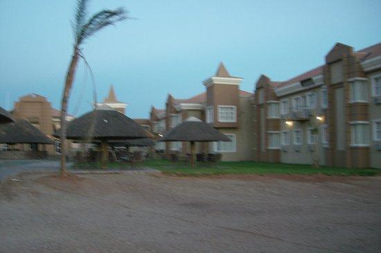Majestic Five Hotel: backside