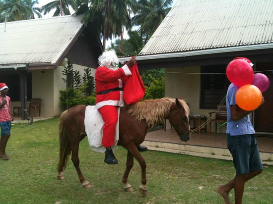 Tambua Sands: Father Christmas bearing gifts