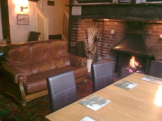 The Marlborough Head Inn: Fireside Dining