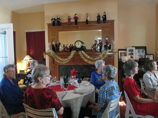 Parrish Grove Inn: Guild Members at the Holiday Luncheon