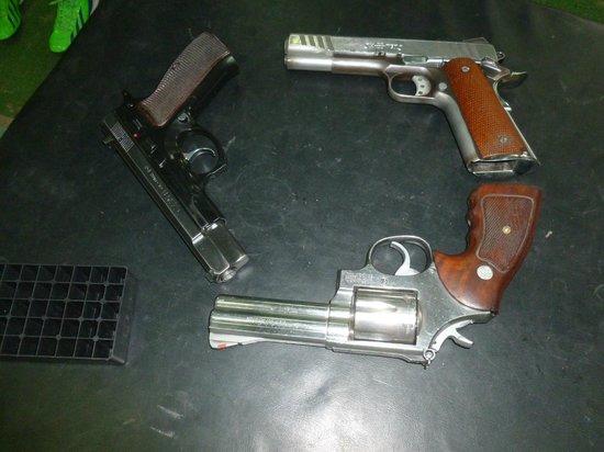 Bangkok Shooting Range: More guns